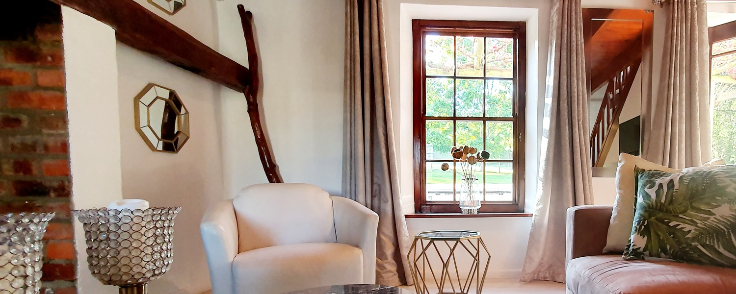 Rooms and suites Honeymoon Suite 5 star hotel De Kloof Luxury estate boutique hotel and spa Swellendam South Africa